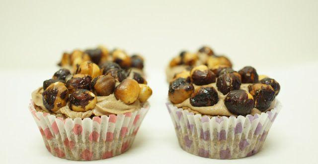 A culpa é das bolachas!: Cupcakes de Nutella com cobertura de Nutella e Avelãs