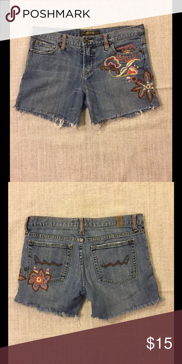 Switch USA cut-off shorts Flowered stitched embroidery with embroidered beads. 98% cotton, 2% Lycra. Some beads are missing. Switch USA Shorts Jean Shorts