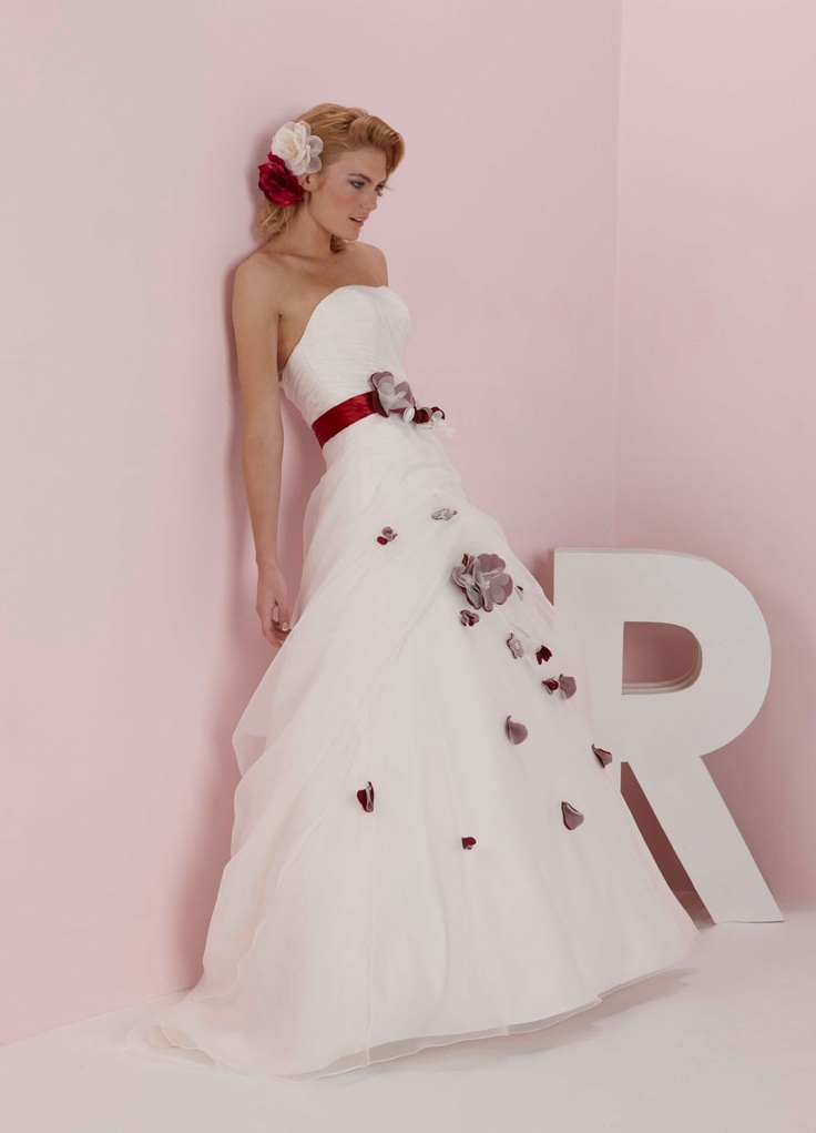 http://www.romanticaofdevon.co.uk/collections/pure-bridal/2012/pb5017/full