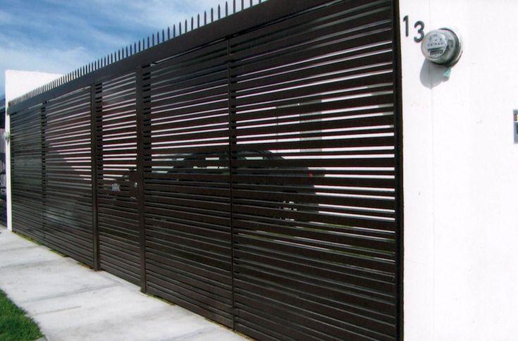 Les 7 meilleures images du tableau porte et portail acier - La maison tempo au bresil par gisele taranto ...