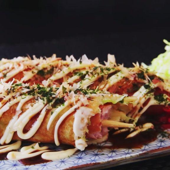 How to make Okonomiyaki Hot dog.