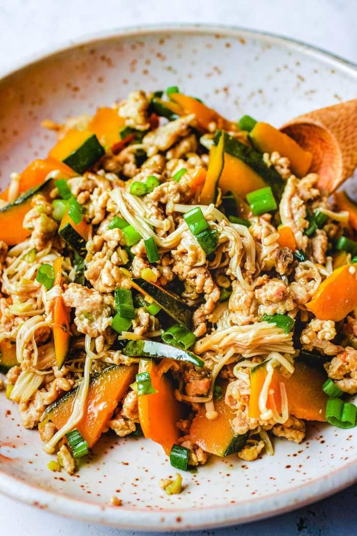 Simmered Kabocha Squash Recipe With Chicken And Enoki Mushrooms Recipe Kabocha Squash Recipe