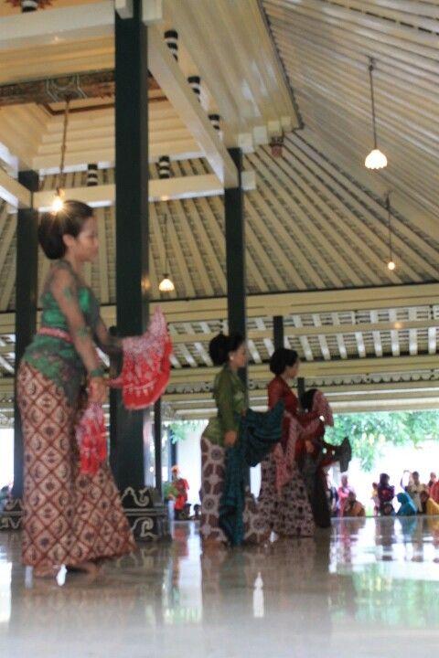 Traditional Dance in Keraton Jogja