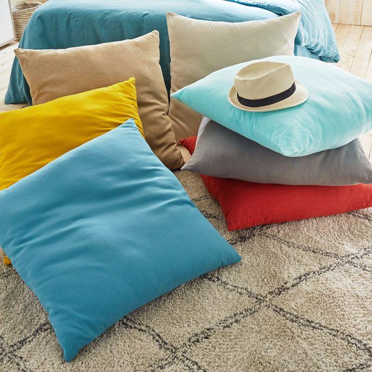 les 25 meilleures id es de la cat gorie coussins de sol. Black Bedroom Furniture Sets. Home Design Ideas