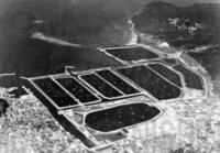 豊後姫島の日本一のクルマエビ養殖場は、塩田の跡地に造られた=1988(昭和63)年11月頃