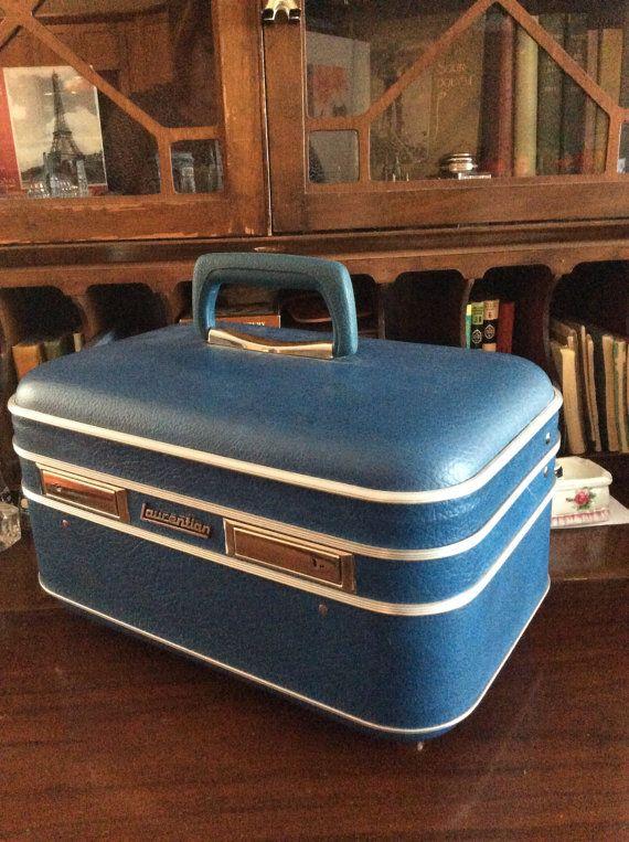 vintage Luggage... LAURENTIAN TRAIN CASE by LandLockedCottage
