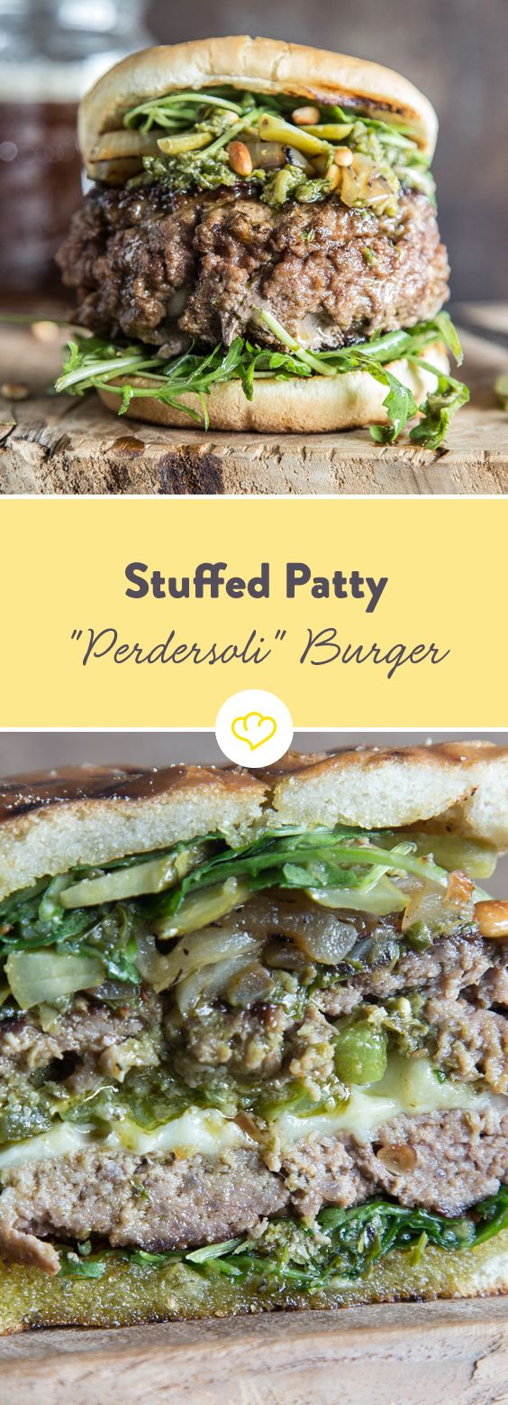 Dieser Burger ist zum Teilen da. Halbiere und genieße ihn zusammen mit einem guten Freund oder deinem Partner – idealerweise während eines Bud Spencer & Terence Hill Films.