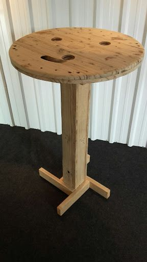 Mesas e Cadeiras com tampas de Carretel - 65cm de diâmetro