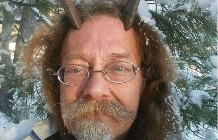 An ordained Pagan priest received permission last week to sport goat horns in his Maine driver's license photo. Phelan Moonsong said that unless he's sleeping or bathing, he always wears his goat horns. The horns serve as his spiritual antennae and help him educate others about Paganism. According to the New York Post, he was told in August that the horns would have to be removed for his ID. Moonsong questioned the state, explaining his religious beliefs to Bureau of Motor Vehicle staff…
