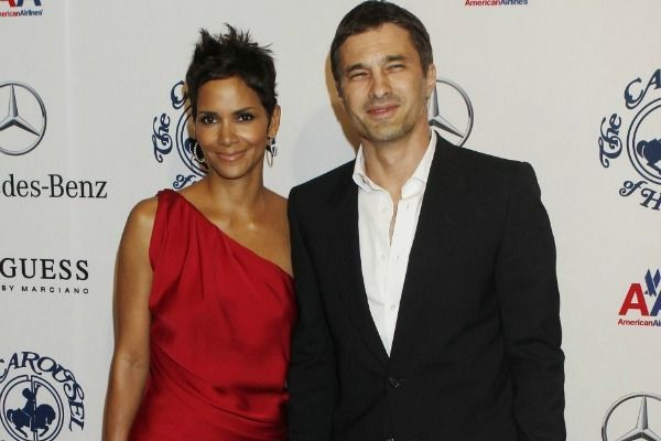 Has great halle barry interracial marriage