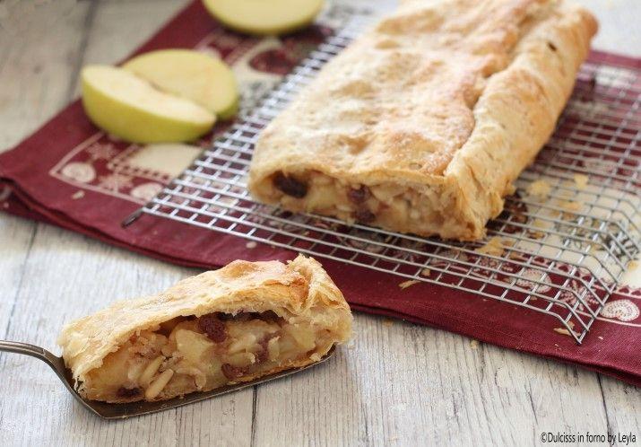 La ricetta per preparare lo Strudel di mele veloce, utilizzando la pasta sfoglia. Una ricetta tradizionale di famiglia, assolutamente da provare !!
