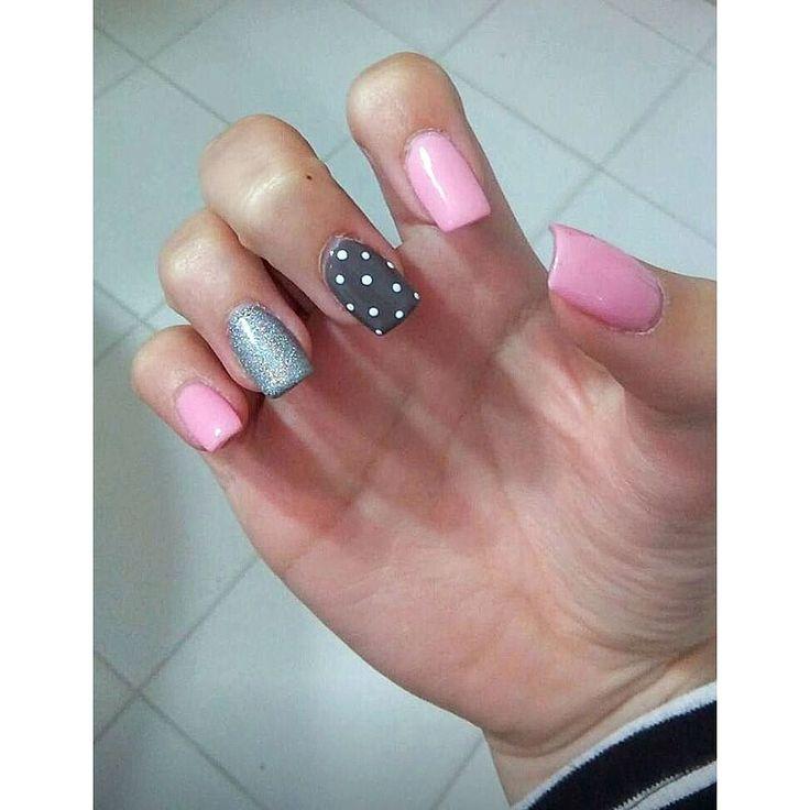 Τα απόλυτα ανοιξιάτικα νύχια με σχέδια! Για ραντεβού ομορφιάς στο σπίτι σας τηλεφωνήστε  215 505 0707 . . . #myhomebeaute #μανικιουρ #σχεδιασμούνύχια #μανικιούρ #γυναικα #γυναικα #ομορφια #ομορφιά #νυχια #νύχια #μανικιούρ #ροζ #mermaidnails #nails #mermaid