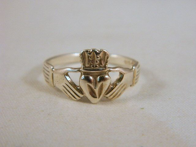 Sterling Silver Claddagh Ring / Vintage Promise Ring / Mens Silver Ring / Irish Heart Ring Size 9 by VintageBaublesnBits on Etsy