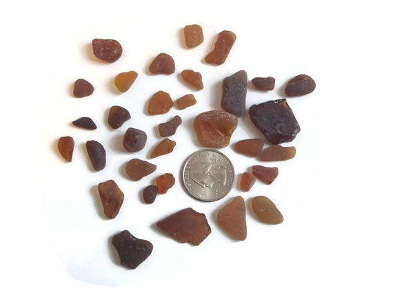 #sea #glass #etsy #lasoffittadiste ambra vetri di mare italiani marrone rari surf materiale per creare gioielli mosaici  vetro marino spiaggia sabbia onde lasoffittadiste