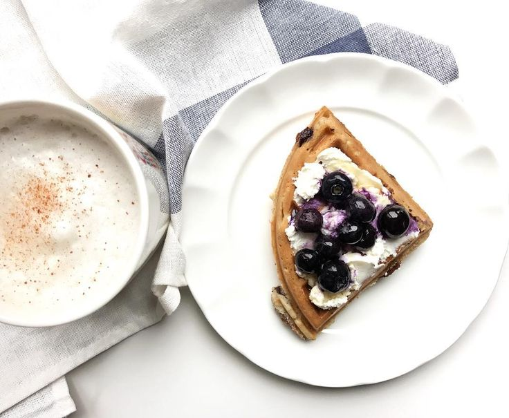 Healthy breakfast with ricotta and blueberry waffles and a tea latte from honestly nutrition.