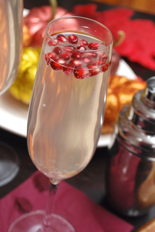 Pear & Pomegranate Spritzer Cocktails #cocktails #refreshing #alcohol ...