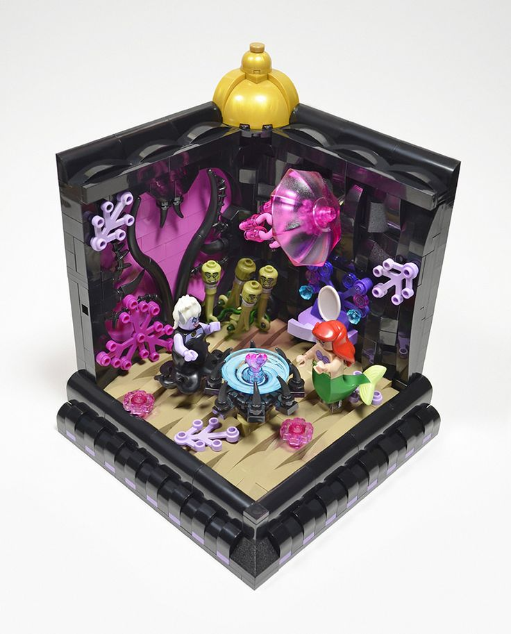 https://flic.kr/p/KffQhQ | Poor Unfortunate Souls (Little Mermaid) | One of five vignettes I did for Blocks magazine covering half of the Disney minifig line. The wonderfully talented Daniel Konstanski did builds for the other half. They can all be seen in issue 22 of Blocks.
