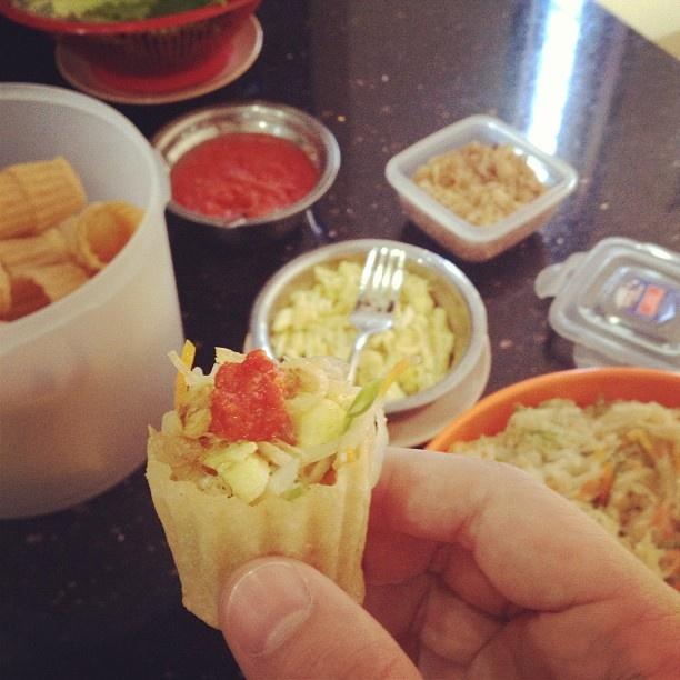 Selat popia buatan rumah, isi sayuran dan telur. super sedap. Siapa yang tidak cinta masakan mama. #kuliner #kulinermedan #medan #food #indonesia #acmi #akucintamasakaindonesia