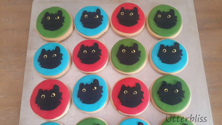 How to train your dragon iced biscuits.