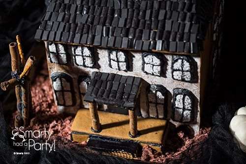 Haunted House Template Printable | Create your own haunted gingerbread house with this template.