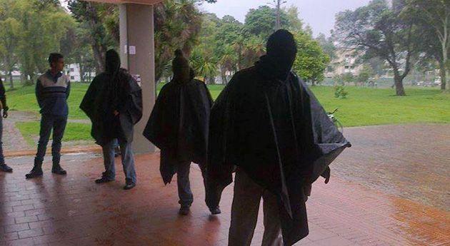 Encapuchados recorrieron el campus de la Nacional en Bogotá, Enfoque - Edición Impresa Semana.com
