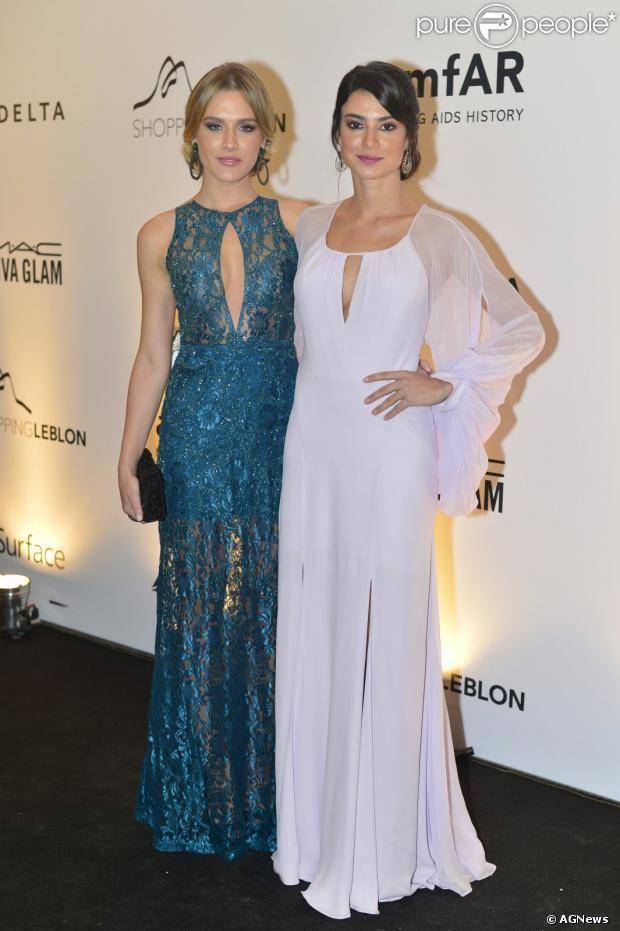 Fiorella Mattheis e Thaila Ayala no baile de gala da amfAR, no hotel Copacabana Palace, na Zona Sul do Rio de Janeiro, nesta sexta-feira, 4 ...