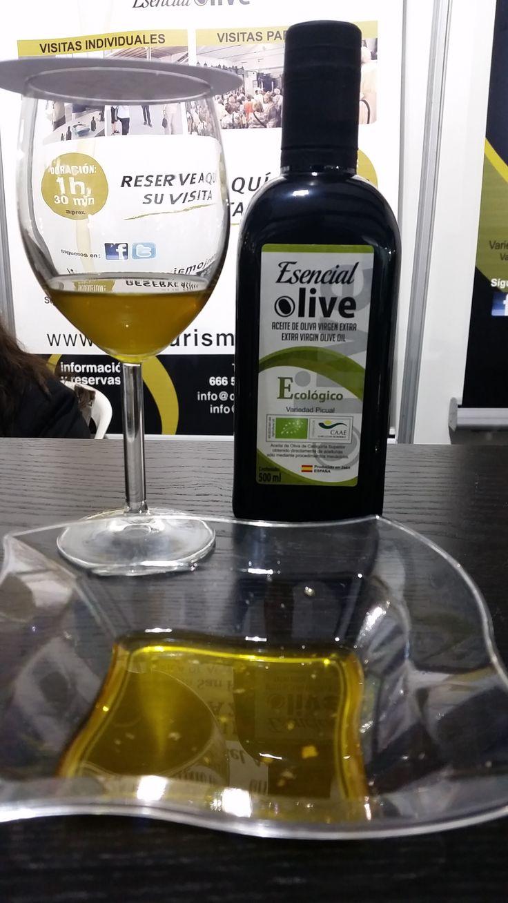"New Product 2015!  MAGIC! #EsencialOlive #Organic #EarlyHarvest Nuevo producto 2015 by #OleicolaSanFrancisco ""Esencial Olive"" Ecológico cosecha temprana! ESTUPENDO"