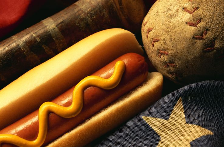 A foodie fan guide to major league baseball stadiums!