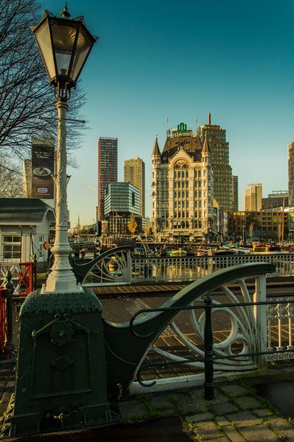 Oude Haven & het Witte Huis by  Alexander Blok