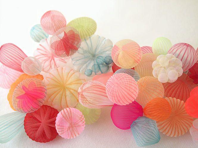 Mariko Kusumoto – Delicate & Translucent Fabric Jewellery