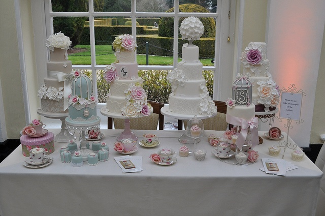 Blenheim Wedding Fayre by Sweet Tiers Cakes (Hester), via Flickr