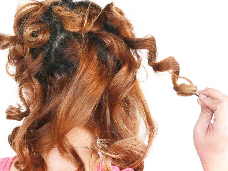 Niet iedereen heeft van nature krullen, maar de meeste mensen hebben meer golven in hun haar dan ze beseffen. Als je graag veerkrachtige golven wilt zonder je mooie lokken te beschadigen, of als je de krul die je al hebt gewoon wat sterker...