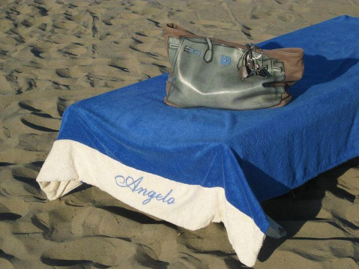September sea...Alessandra in Forte dei Marmi with V73 Classic 01 Sky Blue! http://www.v73.us/classic-collection-n-01/165-sky-blue #v73 #bag #sky #blue #summer