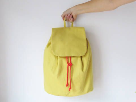 Minimalistischer Rucksack No. 3 mit Kordelzug und verstellbaren Träger - Schnittmuster und Nähanleitungen bei makerist