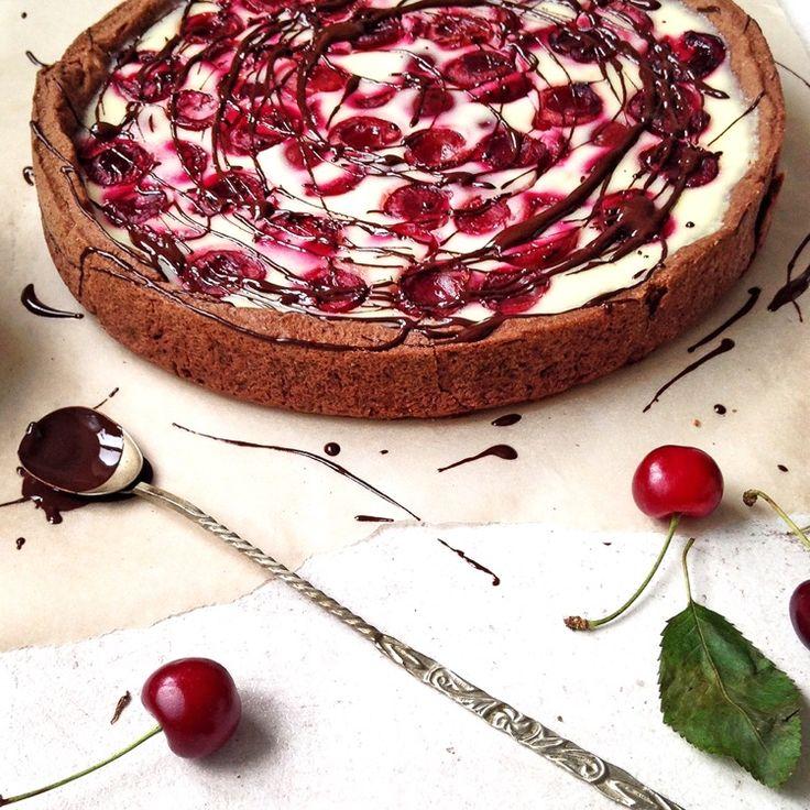Sour Cream Cherry Pie by lusya on #kitchenbowl