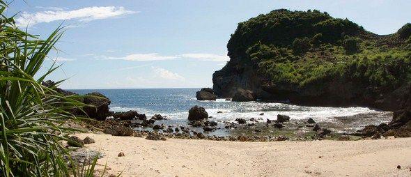 Wisata Pantai Sembukan yang Eksotik