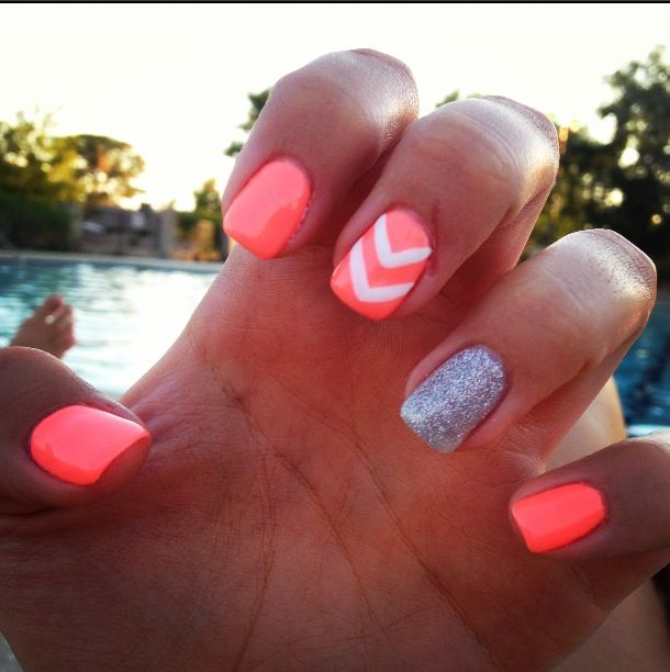 Really pretty nail design, but maybe with classier colors, like gold and bronze :) <3