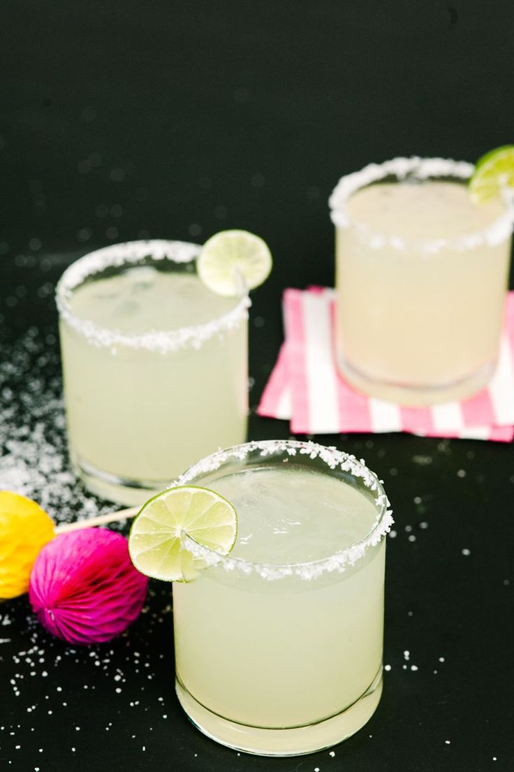Pitcher Cocktails: Margaritas, Two Ways! A Practical Wedding: Blog Ideas for the Modern Wedding, Plus Marriage