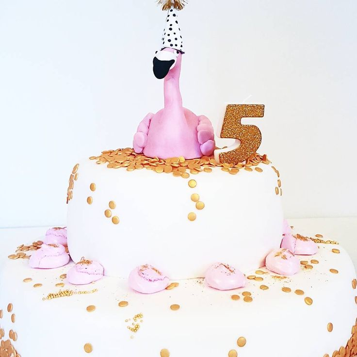 T A A R T • voor de liefhebbers nog het plaatje van de taart ☺  #flamingo #birthdaycake #verjaardagstaart #feestjefvijf #lijnspartymaaksels