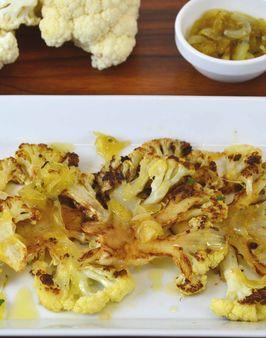 BLUMENKOHL-CARPACCIO MIT ZWIEBELCHUTNEY - Zutaten für 4 Personen: 1 Blumenkohl,  Salz,  6 EL Olivenöl,  4 Knoblauchzehen,  2 Zwiebeln, 1 EL Margarine,  2 EL Zucker,  6 Thymianzweige,  100ml Weißweinessig, Pfeffer. Hier geht's zur Zubereitung: http://behr-ag.com/de/unsere-rezepte/rezeptdetail/recipe/blumenkohl-carpaccio-mit-zwiebelchutney.html