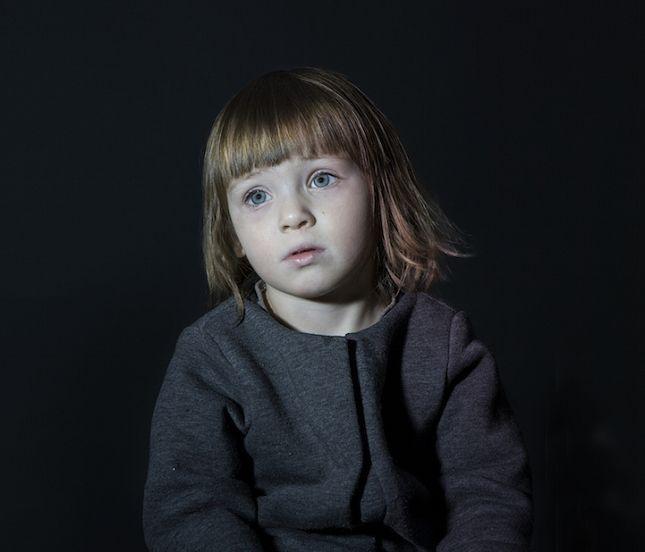 Portraits d'enfants scotchés à leur télévision