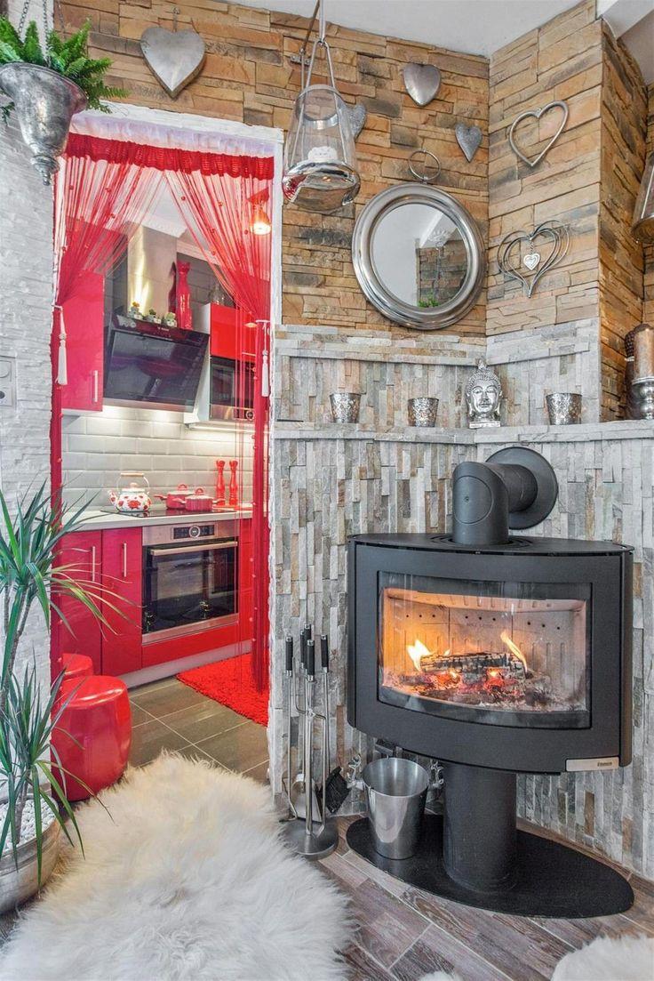 FINN – Jessheim - Lun 1-roms med rustikt særpreg, overbygd balkong, tidsmessig kjøkken og stilfullt bad. Oppusset i 2016!