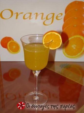 Πορτοκαλάδα σιρόπι χωρίς συντηρητικά, χωρίς πρόσθετα, με φρέσκο χυμό πορτοκαλιών που όταν αραιώνετε με νερό ή σόδα ξεπερνά την γεύση της εμπορικής πορτοκαλάδας.