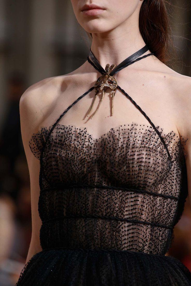 Valentino Fall 2015 Couture | #fashiondivaparisnyc #thefashiondiva www.the-fashion-diva.com