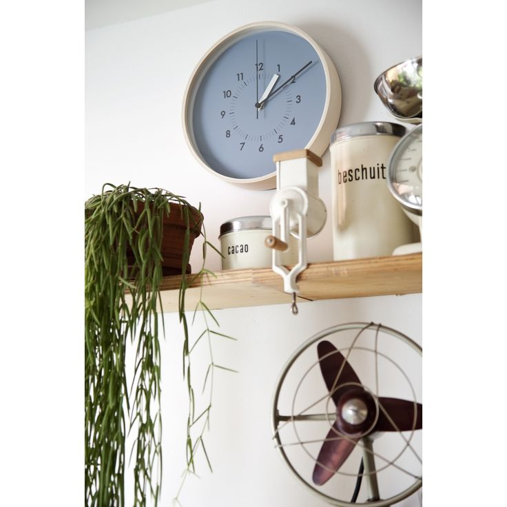Soso Awa Wall Clock, a simple stylish wall clock by Lemons AWA13-06-BL