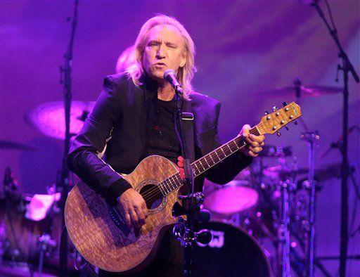 Joe Walsh no irá a concierto de la convención republicana - http://a.tunx.co/He41W
