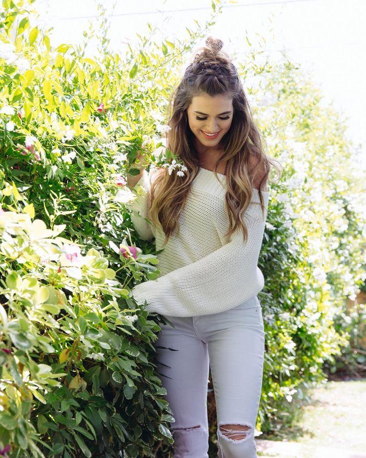 "127.3k Likes, 326 Comments - JoJo Fletcher (@joelle_fletcher) on Instagram: ""Summer whites ☀️ @liketoknow.it #liketkit http://liketk.it/2rIKB (Wouldn't recommend wearing this…"""