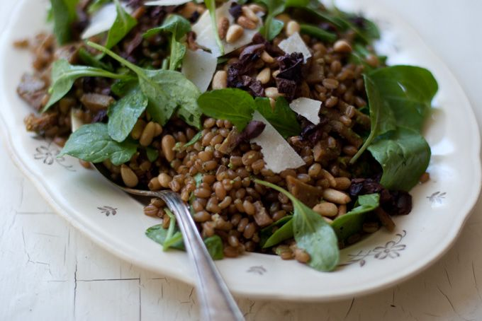 Arugula Pesto Wheat Berries: I have some wheat berries in the pantry, maybe this is a good way to use them.