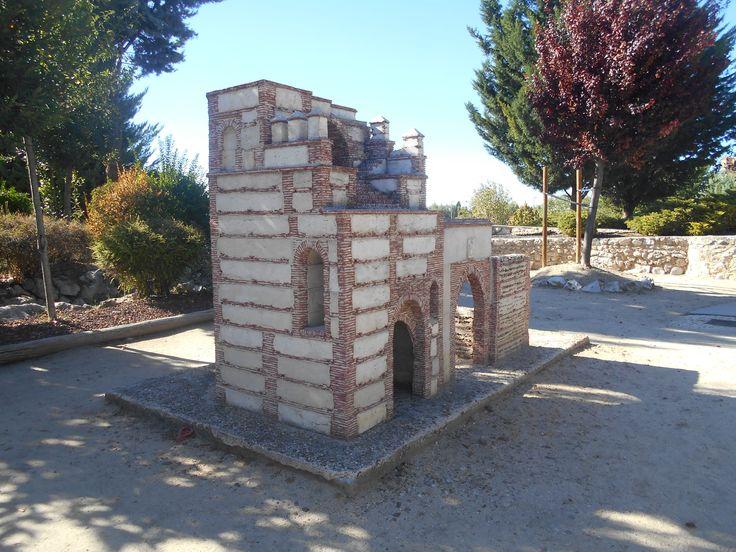 Puerta de Medina en el Parque Temático del Mudéjar de Olmedo.