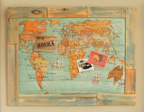 Leuk voor een stoere jongenskamer: prikbord van vilt met wereldkaart motief met een lijst van 'sloophout'. Kijk voor gratis werkbeschrijving op CraftKitchen.nl.